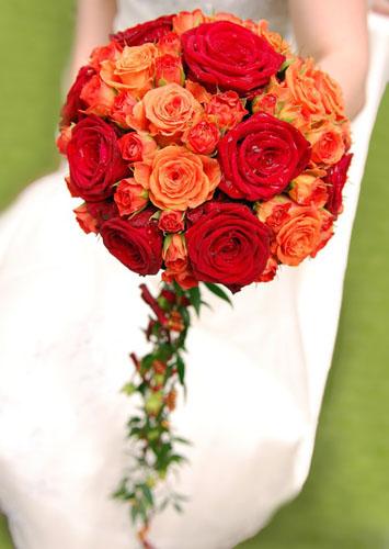 Buchet-de-nunta-din-trandafiri