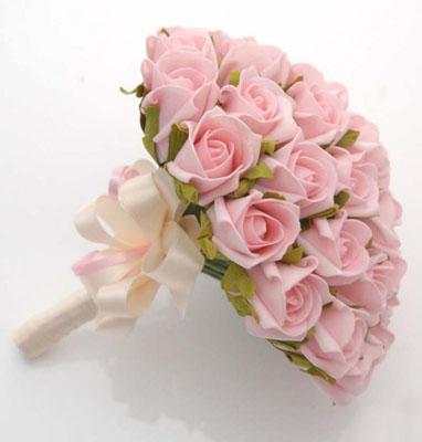 Buchet mireasa din trandafiri roz