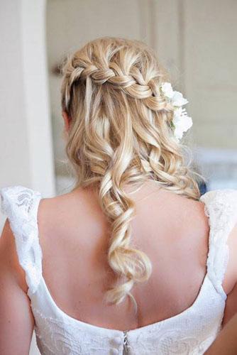 Coafuri de mireasa pentru parul lung, blond