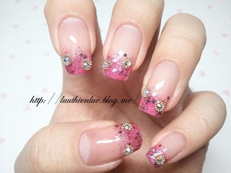 Unghii cu gel french roz cu pietre pentru mirese 2014