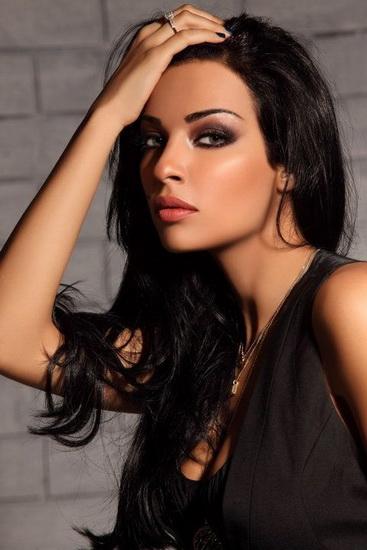 makeup bruneta