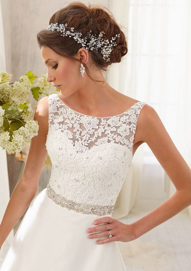 model de rochie mireasa cu bretele