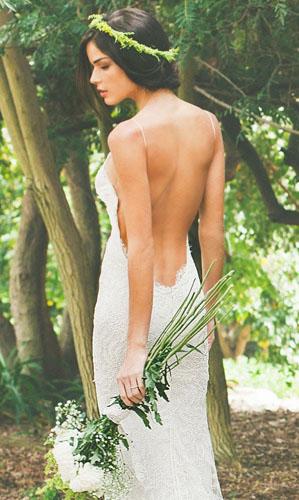 rochie cu spatele gol pentru mirese