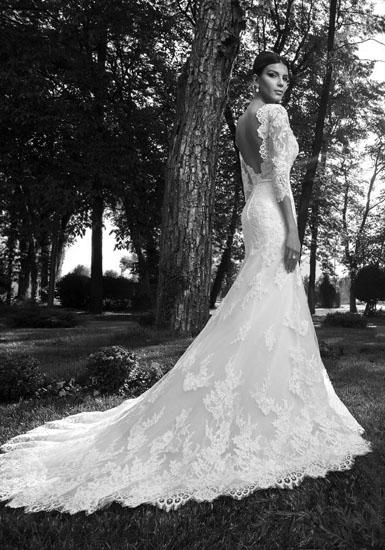 rochie de mireasa cu trena din dantela