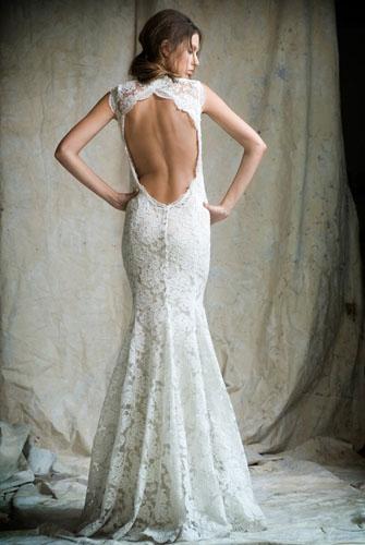 rochie de mireasa din dantela cu spatele gol