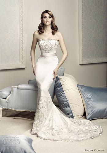 rochie de mireasa model sirena