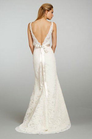rochie din dantela cu spate gol