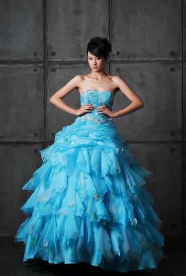 rochie mireasa cu albastru