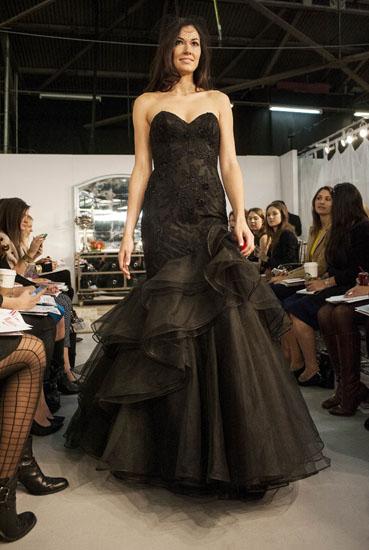 rochie mireasa neagra