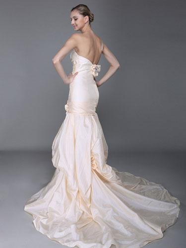 rochii de mireasa sirena cu spatele decupat