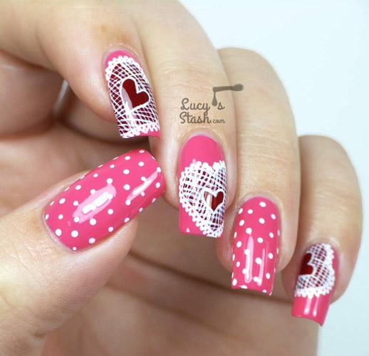 unghii roz cu dantela