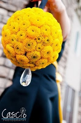 Buchet mireasa crizanteme galbene