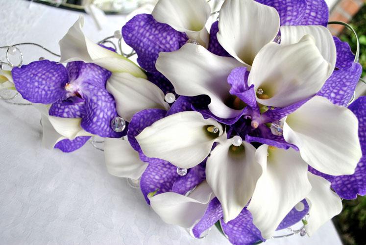 Buchete de mireasa mov cu orhidee Vanda