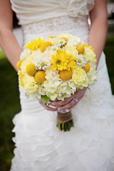 Buchetul miresei cu crizanteme