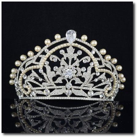 Diadema cu cristale Swarovski si perle
