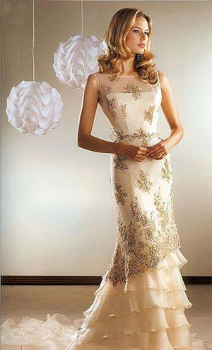 Rochie de mireasa crem cu pietre