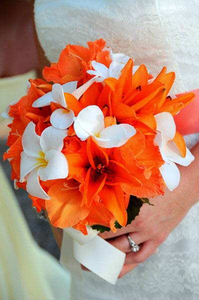 buchet deosebit din flori portocalii