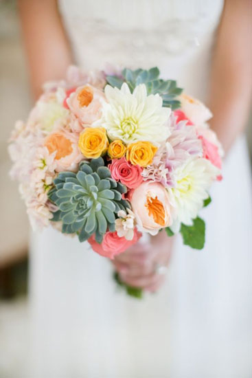 buchet mireasa cu flori de primavara
