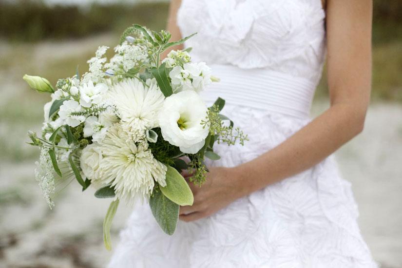 buchete de mireasa din crizanteme albe