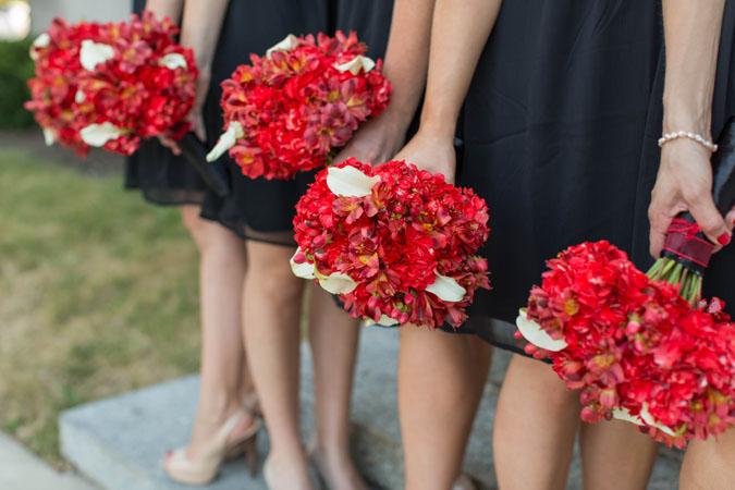 buchete mireasa cu hortensii rosii