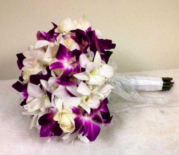 buchetul miresei din trandafiri si orhidee