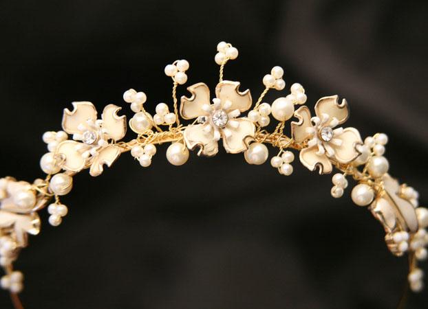 coronita mireasa din aur cu flori