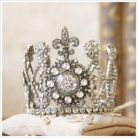 diadema tip regina