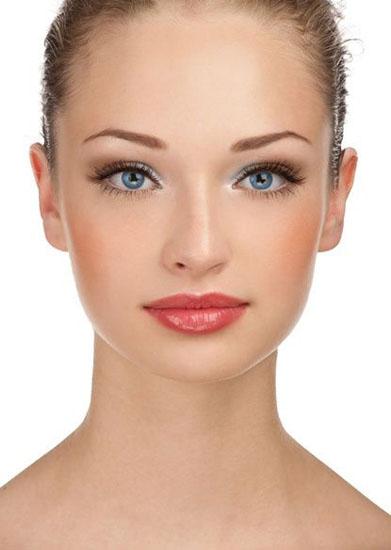 makeup mireasa ochi albastri