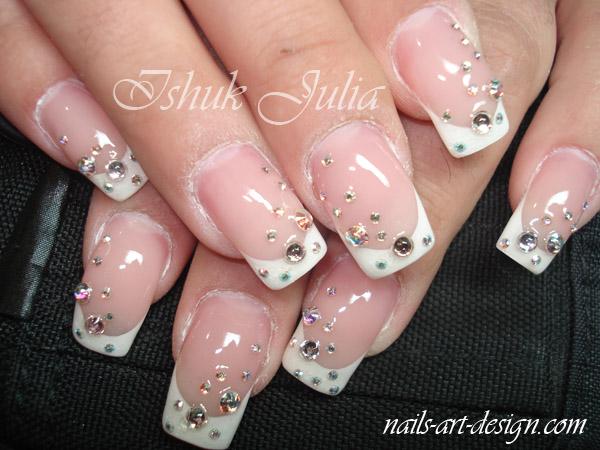 Modele de unghii cu pietre pretioase pentru mirese