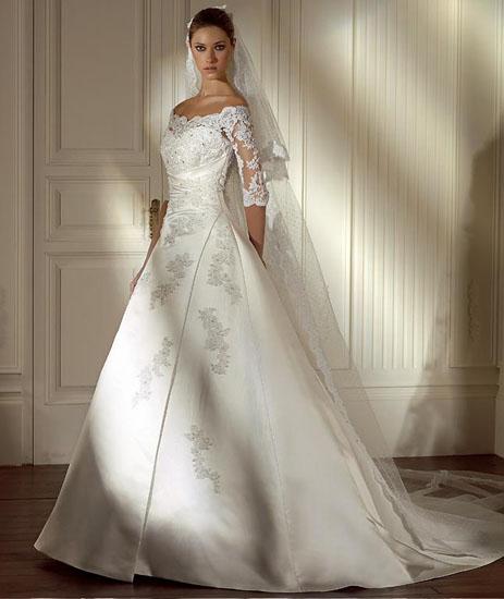 mireasa in rochie clasica