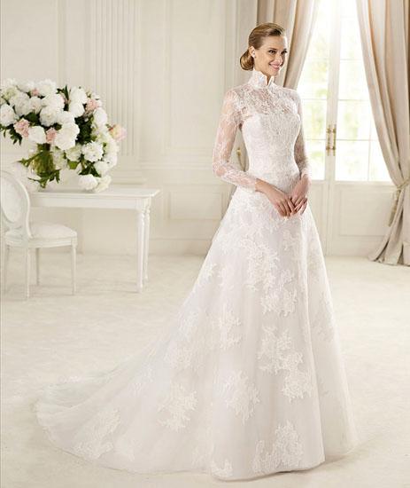 rochie clasica cu maneci pentru mirese