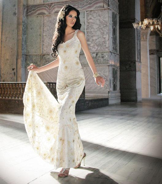 rochie de mireasa cu pietre 2014