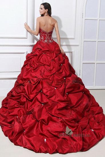 rochie de mireasa rosie cu trena
