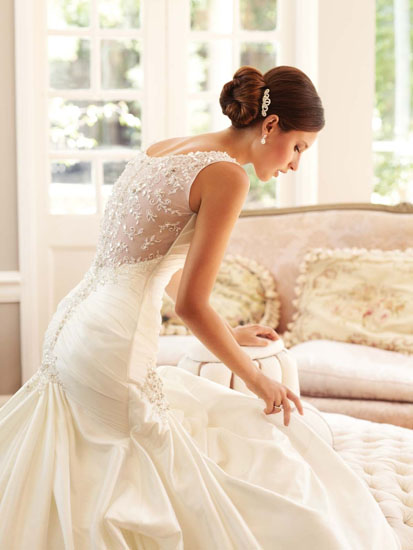 rochie de nunta cu pietre