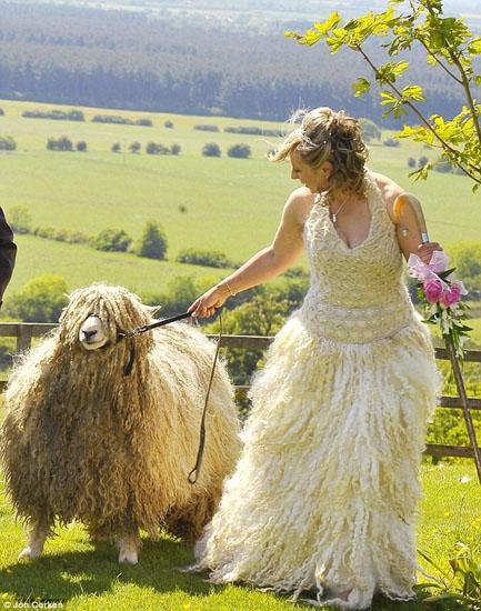 rochie din lana de oaie