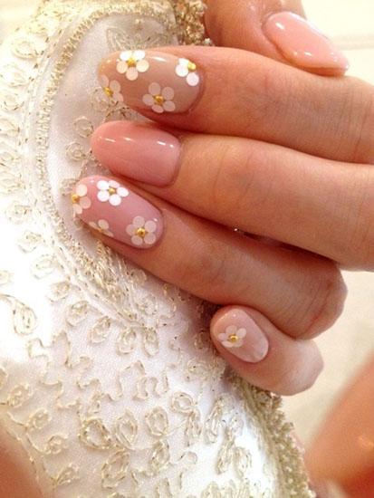 unghii mireasa cu flori