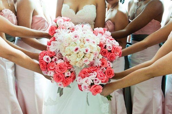 buchete de trandafiri pentru mirese si nase