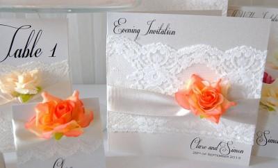 Modele de invitatii pentru nunta cu dantela