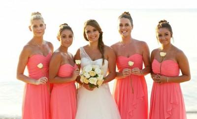 Rochii roz pentru nunta pe plaja