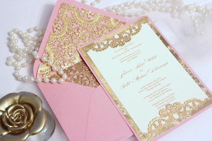 invitatie de nunta aurie