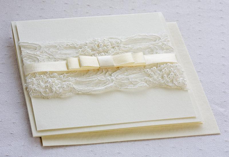 invitatie de nunta cu perle si matase