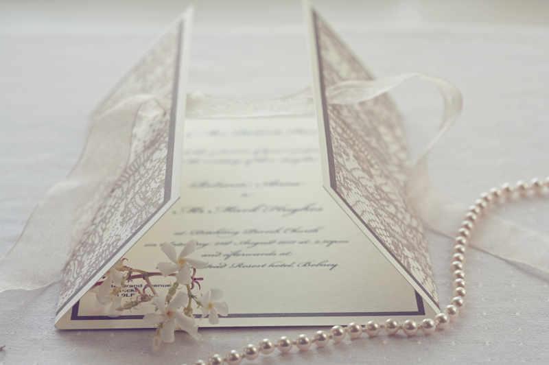 invitatie de nunta cu perle