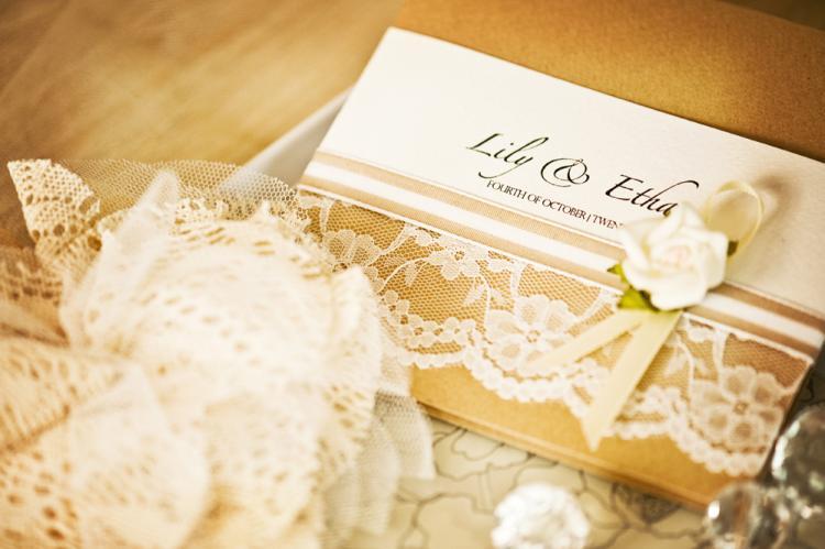 invitatie la nunta cu dantela