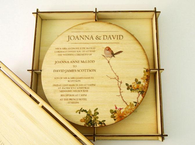 invitatie nunta in cutie de lemn