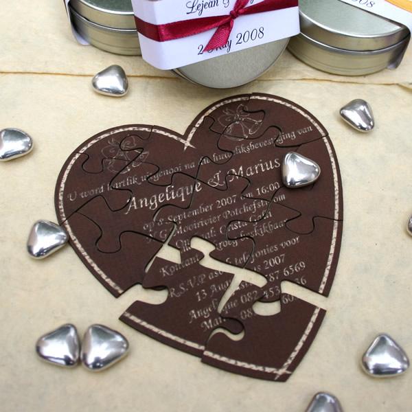 invitatie nunta puzzle in forma de inima