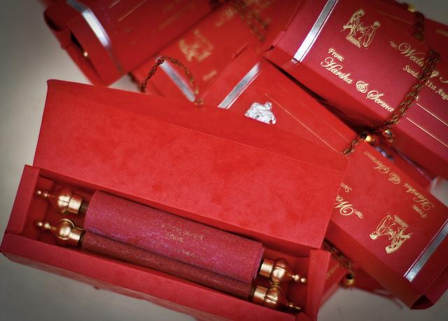 invitatii pentru nunta rosii