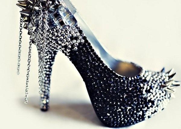 pantofi negri cu pietre pentru mirese