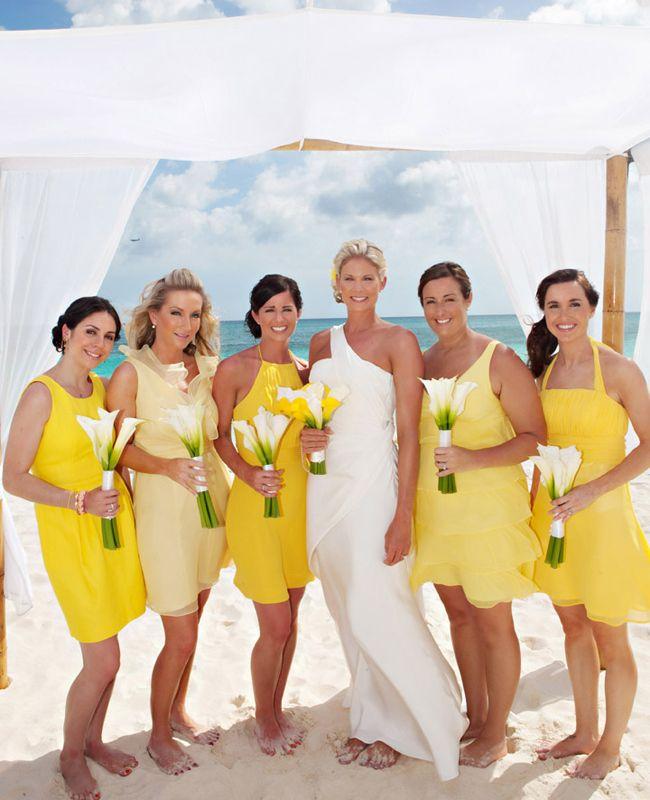 rochii galbene domnisoare onoare pe plaja