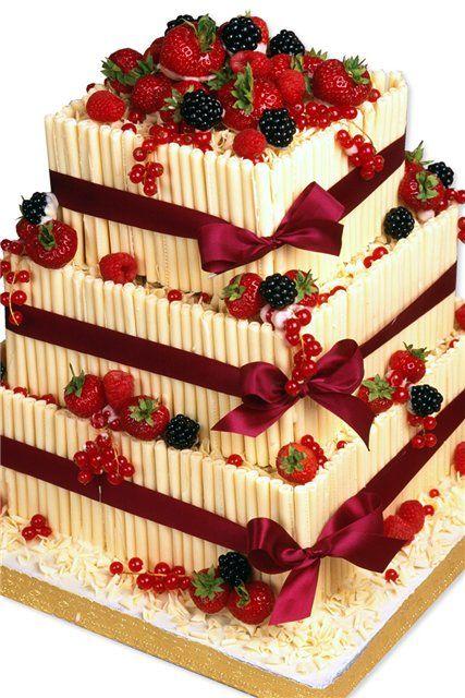 tort cu fructe pentru nunta