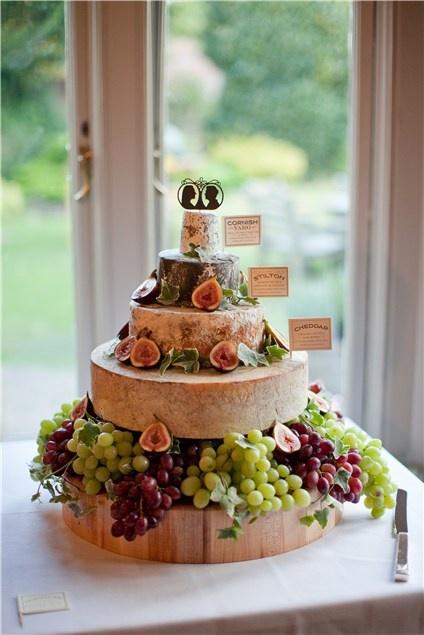 tort de nunta cu struguri